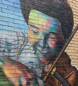 MuralViolinist